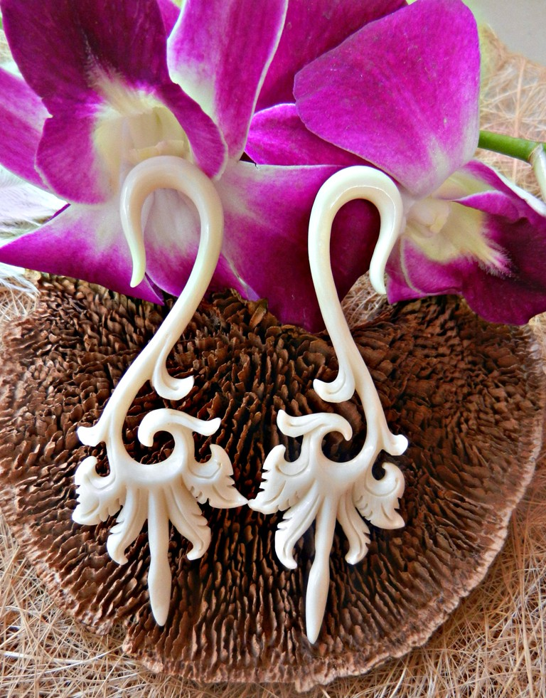 Bone Ear Gauge Horn Dots Tunnel Handmade Natural Trishul Design Cocoroots